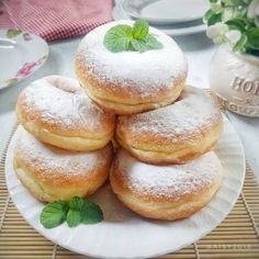 Image may contain: dessert and food Donut Recipes, Bread Recipes, Brownie Cake, Indonesian Food, Unique Recipes, I Love Food, Donuts, Cake Decorating, Bakery