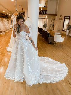 Lace Wedding, Wedding Dresses, Wedding Ideas, Gowns, Fashion, Bride Dresses, Vestidos, Moda, Bridal Gowns