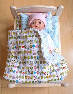 Wollyonline Blog: Free Doll Bedding Pattern, Winter Duvet