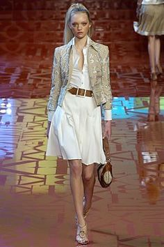 Valentino Spring 2005 Ready-to-Wear Fashion Show Collection