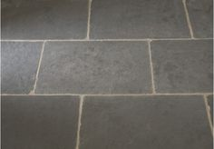 A beautiful flagstone tile, the Worn Grey Limestone is also suitable for exterior use.