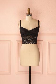 Silja Onyx ♥ Le nombril sait apprécier la charmante compagnie de la dentelle. The belly button can appreciate the delightful company of lace.