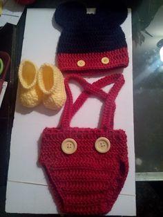 Ropa de Mickey mouse a crochet new born