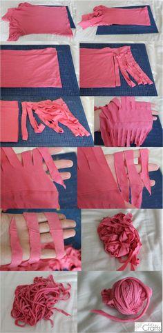 Kit's crafts - T-Shirt Yarn Tutorial Recycled T Shirts, Old T Shirts, Cut Shirts, Yarn Projects, Knitting Projects, Crochet Projects, Knitting Tutorials, Knitting Patterns, Mode Crochet
