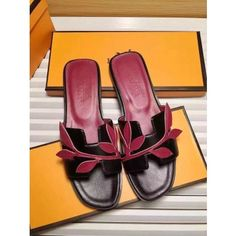 Hermes Oran H Sandals on UK outlet