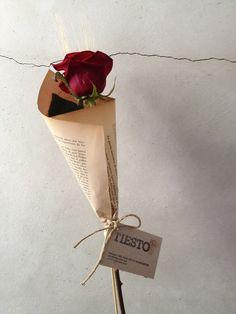 How To Wrap Flowers, Love Flowers, Dried Flowers, Beautiful Flowers, Single Flower Bouquet, Flower Bouquet Diy, Flowers Roses Bouquet, Paper Flowers, Flower Packaging