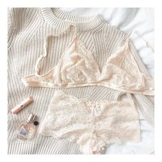 "These lovely Lucie sets are in our free knickers offer 😍 I had to regram this beautiful shot from @lois_lillian! Love Miss B x #bouxavenue #lingerie #regram #lace #blush #picoftheday #ootd #fblogger (🔎: ""Lucie"" via the link in our bio to shop)"
