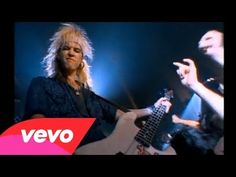 Guns N' Roses - Welcome To The Jungle Love Axl's teased hair