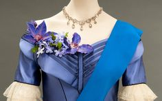 """Costume from the movie """"The Young Victoria"""" realised by Jean-Marc Vallée in 2009 Costume Hollywood, Hollywood Fashion, The Young Victoria, Queen Victoria, Period Costumes, Movie Costumes, Victoria Costume, Sandy Powell, Little Dorrit"""