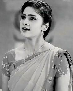 Cute Beauty, Most Beautiful Indian Actress, India Beauty, Girl Face, Indian Actresses, Beauty Women, Desi, Saree, Fashion