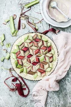 Tarte rhubarbe et son coulis de fraise