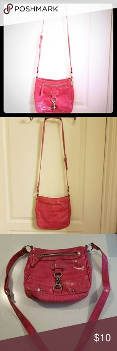 Nine West crossbody bag. Pink Nine West bag, great condition. Approximately 8.5 inches long and 9.5 inches wide. Nine West Bags Crossbody Bags