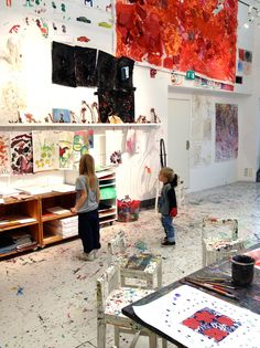 10 inspiring art studios for kids love reggio inspired space League Of Legends Art, Arno Stern, Modern Painting, Painting Studio, Studio Art, Studio Design, Tachisme, Table Design, Learning Spaces