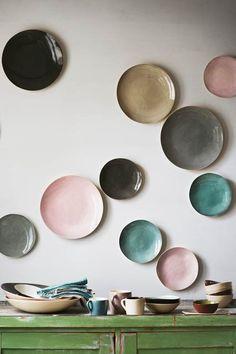 polka dot plate home design interior design 2012 house design Home Design, Design Ideas, Diy Design, Design Art, Graphic Design, Interior Pastel, Interior Colors, Modern Interior, Boho Deco