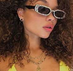 Pretty Hairstyles, Spice Things Up, My Heart, Spring Summer Fashion, Round Sunglasses, Sunnies, Bling, Jewels, Accessories