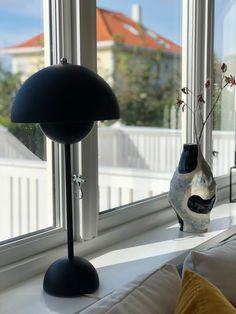 Flowerpot and Hay vase in a norwegian home. #andtradition #haydesign #hay #scandinavianhome