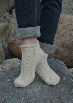 Tekstiiliteollisuus - teetee Tundra Knitting Socks, Baby Knitting, Knit Socks, Mitten Gloves, Mittens, Crafts To Do, Knit Crochet, Projects To Try, Boots