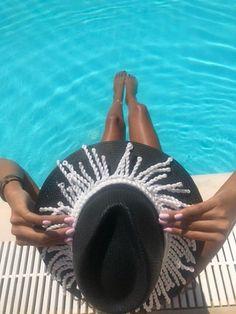 GoustoMouKeCapeloMou by Elena Chalati #hat #blackandwhite #handcrafted #handmade #goustomoukecapelomou