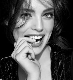 Emily Didonato perfect skin and smile. www.palsnap.com