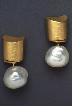 Pearl and gold earrings #littleadditions