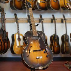Gibson ES-150 Arch Top Hollow Body Electric Guitar (1936)-4655 by retrofretguitars, via Flickr