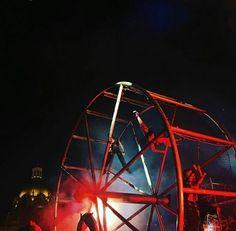 Durante el Festival Sucede.  Foto por: @arqmhdez  #Guadalajara #enguadalajara #vidaengdl #gdlmx #gdl #megustagdl #igersguadalajara #tapatio #mexigers #igersmexico #mexico #mexicolores #mexicoandando #mexicanbloggers #mextagram #vintage #arte #cultura #neverstopexploring #liveauthentic #vscocam #carnival #festivalsucede #downtown #pirotecnia #fireworks