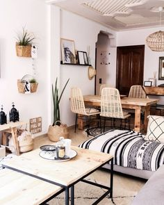 7 Perfect Modern Spaces for a Relaxed Summer at Home – Daily Dream Decor - Trend Home Dekor Interior Design Living Room, Living Room Decor, Living Spaces, Bohemian Interior, Bohemian Apartment, Modern Spaces, Small Spaces, Dream Decor, Design Case