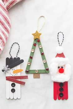 Popsicle Stick Christmas Crafts, Christmas Decorations For Kids, Kids Christmas Ornaments, Christmas Crafts For Kids To Make, Craft Stick Crafts, Simple Christmas, Diy Crafts To Sell, Diy For Kids, Easy Crafts