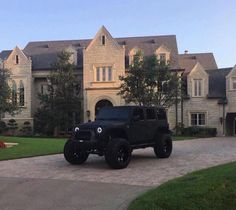 pinterest: @nikeg0ld☽☼♔ Jeep Wrangler Unlimited, Luxury Cars, Luxury Homes, Jeeps, Monster Trucks, Antique Cars, Old School Cars, Vintage Cars, Jeep