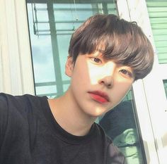 cute korean boy hairstyles with bangs Korean Boys Ulzzang, Ulzzang Couple, Korean Men, Ulzzang Girl, Korean Girl, Korean People, Cute Asian Guys, Cute Korean Boys, Asian Boys
