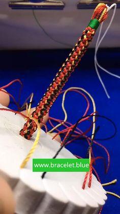 Diy Bracelets Patterns, Diy Bracelets Easy, Handmade Bracelets, Diy Crafts Jewelry, Bracelet Crafts, Kumihimo Bracelet, Finger Weaving, Bijoux Design, Diy Friendship Bracelets Patterns