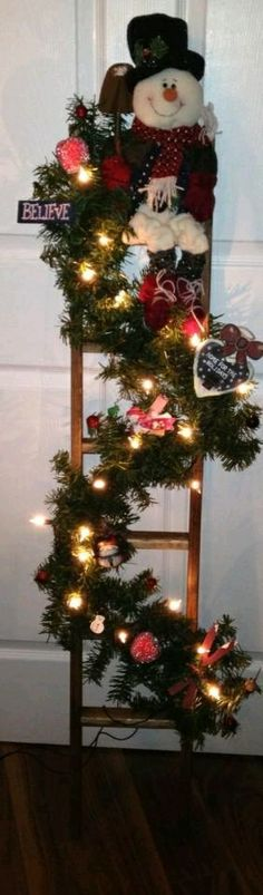 Cute Winter Ladder!
