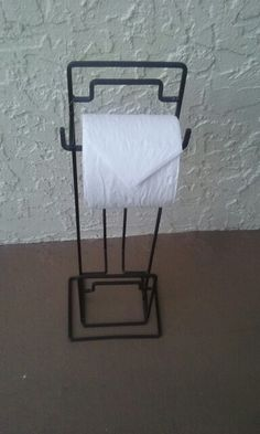Tp holder,  found free. Sold for $3 on offer up.