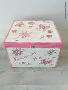 www.artimiva.gr Wooden Toy Boxes, Wooden Toys, Different Shapes, Decoupage, Decorative Boxes, Hand Painted, Painting, Home Decor, Boxes