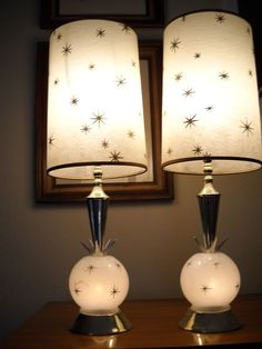 Romance Alert: Mid Century Lamps To Brighten Your Valenine's Day! Modern boho home interiors and des Mid Century Modern Decor, Mid Century Modern Furniture, Mid Century Design, Mid Century Art, Mid-century Modern, Vintage Modern, Retro Lampe, Lampe Decoration, Boho Home