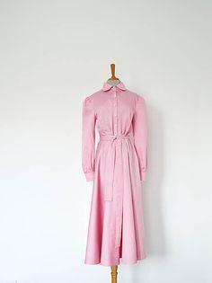 Bavlnené košeľové šaty s jemnou bodkou – ružová | vivienmihalish.sk Duster Coat, Dresses With Sleeves, Retro, My Style, Long Sleeve, Jackets, Clothes, Vintage, Fashion
