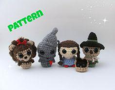 Wizard of Oz Dolls Pattern / Crochet Pattern by LittleBittyKnitter