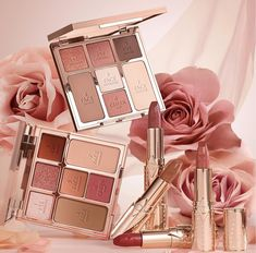 Look of Love Collection di Charlotte Tilbury | IL MONDO DI ROSIE Makeup Box, Kiss Makeup, Love Makeup, Beauty Makeup, Charlotte Tilbury Looks, Science Of Love, Love Trailer, Love Frequency, Blush On Cheeks