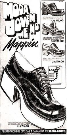 Propaganda do Mappin nos anos 70 apresentando a moda de calçados para jovens Streets Of Love, Piercings, 70s Inspired Fashion, Moda Emo, Old Ads, Fashion History, Vintage Advertisements, Designer Shoes, Retro Vintage