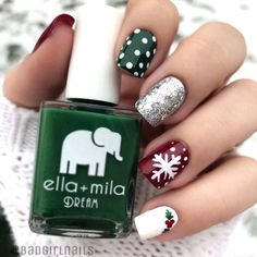 Ready to decorate your nails for the Christmas Holiday? Christmas Nail Art Designs Right Here! Xmas party ideas for your nails. Be the talk of the Holiday party with your holiday nail designs. Cute Christmas Nails, Christmas Nail Art Designs, Holiday Nail Art, Winter Nail Designs, Christmas Holiday, Christams Nails, Diy Christmas Nails Easy, Christmas Present Nails, Holiday Acrylic Nails