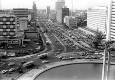 Bundaran HI arah Jl. Old Pictures, Old Photos, Vintage Photos, Surabaya, Train Travel, Vintage Walls, Jakarta, Southeast Asia, Skyline