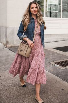 A spring dress denim jacket - outfit inspiration - Denim Fashion Trendy Dresses, Modest Dresses, Modest Outfits, Modest Fashion, Dress Outfits, Casual Dresses, Casual Outfits, Fashion Dresses, Flower Dresses