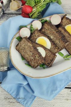 Meatloaf with hardboiled eggs inside! Great idea for a Dukan Protein Day Dukan Diet, Low Carb Diet, Meatloaf, Protein, Paleo, Chicken, Hardboiled, Health, Diet Ideas