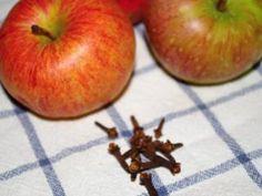 Jak využít hřebíček jako koření i lék | rady a tipy | jaktak.cz Korn, Apple, Fruit, Apple Fruit, Apples