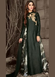 Order this bejeweled green embroidered long indo western mehendi party dress online. This art silk skirt suit set comprise chinese collar and keyhole neckline. Full sleeves, embroidered & patch work it alluring it for mehendi. Designer Suits Online, Designer Salwar Suits, Designer Dresses, Latest Salwar Kameez Designs, Churidar Designs, Silk Kurti, Silk Lehenga, Party Dresses Online, Dress Online
