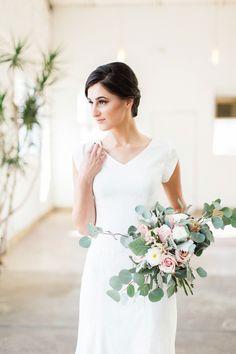 AK Studio Design | Utah Bride | Classic Wedding | Utah Wedding Photography | Timeless Wedding | Utah AKStudioDesign.com | Capture your perfect wedding day. Contact us to book your wedding! #mountainbride #utahbride #mountainweddingphotography #lacaillewedding