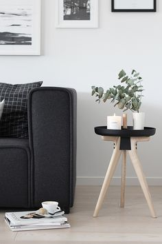 How sweet is this scandinavian decoration? #scandinaviansidetable side table…