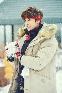 [iKON] 1st KONY'S WINTERTIME 정찬우 No.13 Kim Jinhwan, Chanwoo Ikon, Bobby, Yg Ikon, Aesthetic Korea, Ikon Debut, Ikon Wallpaper, Indian Boy, Winter Wallpaper