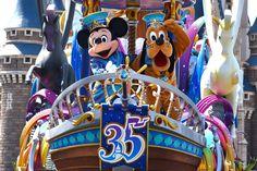 """[画像] 東京ディズニーリゾートが開園35周年をお祝い! アニバーサリーイベント""""Happiest Celebration!""""がスタート 東京ディズニーランドは新パレードやデコレーションで祝祭感満載の空間に(1/30) - トラベル Watch"""
