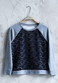 Pitsillä tuunattu paita SK 2/14. Turtle Neck, Tees, Sweaters, Diy, Fashion, Moda, Chemises, Tee Shirts, Bricolage